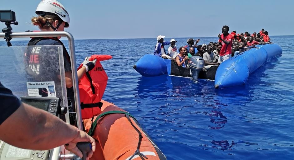 Italy bans German refugee rescue ship to enter its waters