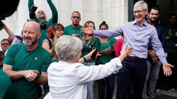 Tim Cook encourages Senate to pass immigration reform
